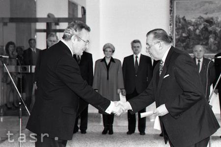 Rok 1993: Slovensko má prvého predsedu ústavného súdu.