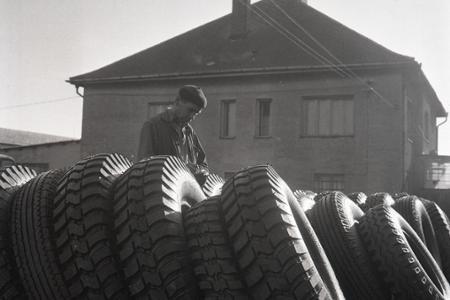 Rok 1968: Zvýšený dopyt po protektorovaných pneumatikách