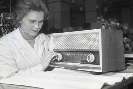 Rok 1962: V bratislavskej Tesle začali sériovú výrobu nového rádia