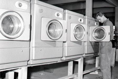 Rok 1963: V Trnave začali vyrábať sušičku na bielizeň