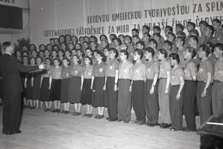 Rok 1953: Prešov hostí prehliadku najlepších ochotníckych súborov