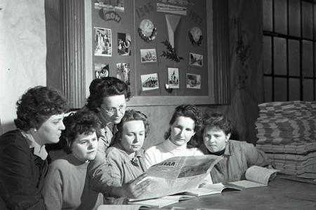 Rok 1962:Moskovská Pravda prezentuje úspechy vedy a techniky