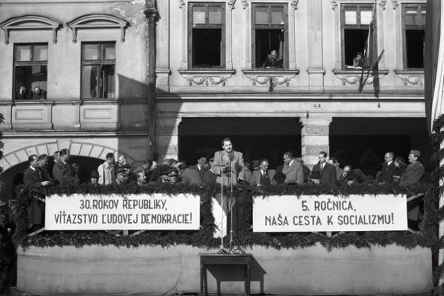 Československo - spoločný štát Čechov a Slovákov - fotografie - Vtedy