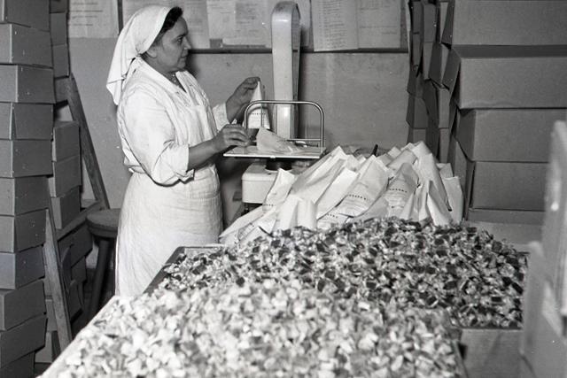 Výroba vianočných sladkostí v slovenských závodoch finišuje - fotografie - Vtedy