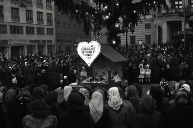 Vianočný Strom republiky - fotografie - Vtedy