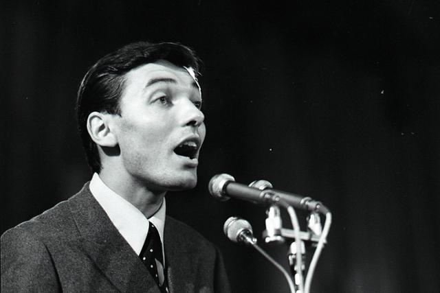 Rok 1966: Historicky prvú zlatú lýru si vyspieval Karel Gott  - fotografie - Vtedy