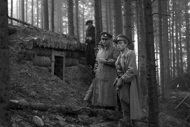 Deň hrdinov Karpatsko-duklianskej operácie - fotografie - Vtedy