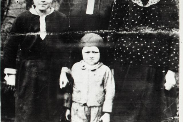 Krutý trest pre obce Ostrý Grúň a Kľak za pomoc partizánom - fotografie - Vtedy