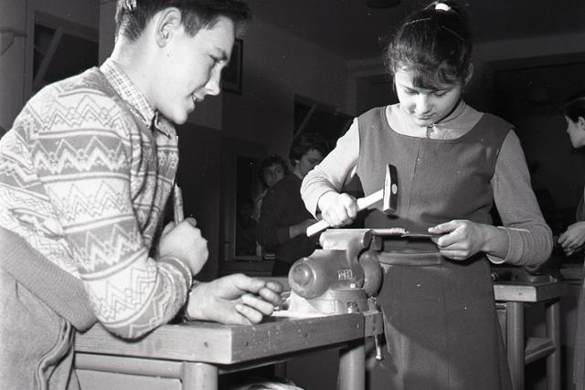Rok 1960: Zavádza sa deväťročná školská dochádzka - fotografie - Vtedy