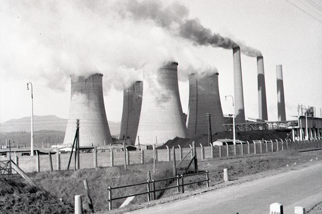 Rok 1958: Elektráreň Nováky v prevádzke - fotografie - Vtedy