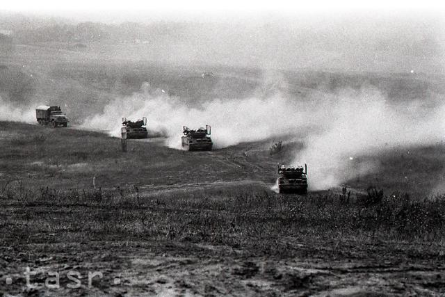 Rok 1984: Najväčšie vojenské cvičenie v dejinách ČSSR - fotografie - Vtedy