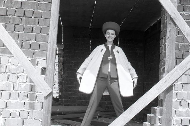 Rok 1968: Do módy sa dostávajú slovenské ľudové prvky  - fotografie - Vtedy