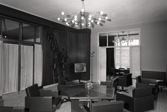 4142001b0 ... Nový Dom kultúry ROH v Prešov má reštauračnú aj kaviarenskú časť. Foto:  archív TASR, autor G. Bodnár/5. decembra 1968
