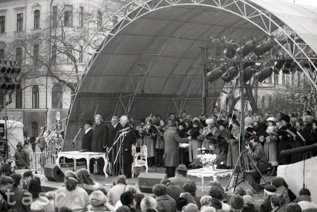 Rok 1993: Prvý rok samostatnej Slovenskej republiky - fotografie - Vtedy