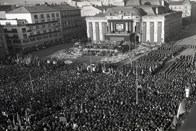 Rok 1953: Zvuk sirén ochromil život v celej republike - fotografie - Vtedy